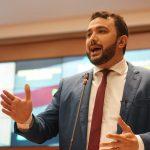 Dr. Yglésio propõe 'Centro de Cuidados da Voz' para professores