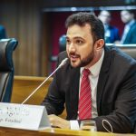 Dr. Yglésio presta homenagens póstumas a cinegrafista da TV Assembleia e a Sargento da PM