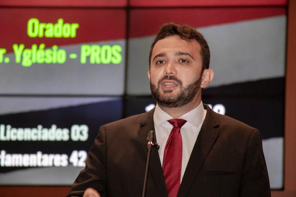 Deputado Yglésio solicita ao MP medidas para o aumento dos ônibus circulando na capital.