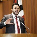 """""""O excesso de trabalho está instalado"""", diz Yglésio sobre profissionais da saúde"""