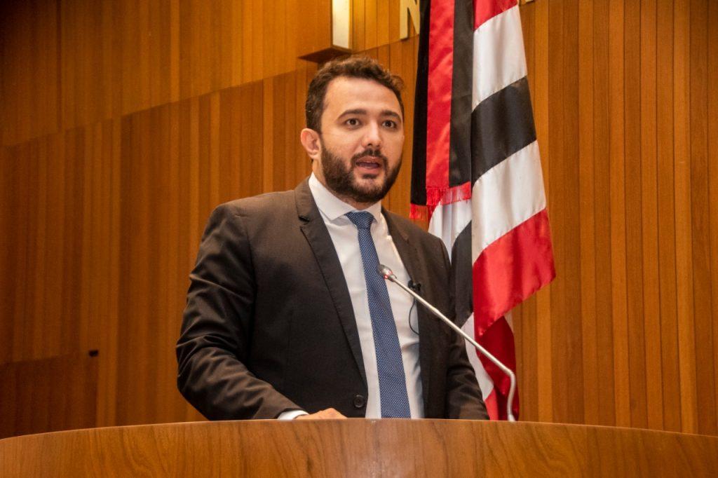 Saúde: Yglésio solicita antecipação da primeira parcela do 13º a profissionais terceirizados.