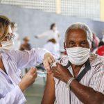 Ação Civil Pública pede revacinação de idosos com a CoronaVac